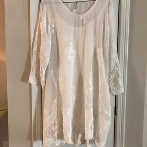 Dresses & Skirts - White lace dress with floral pattern